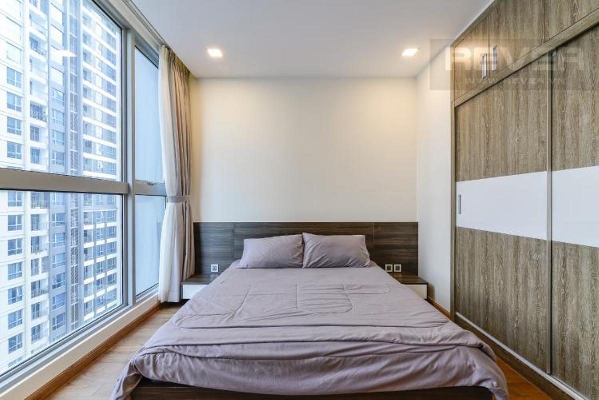 Phong ngu Master 2 Bán căn hộ Vinhomes Central Park 2PN, diện tích 72m2, đầy đủ nội thất, view sông và công viên