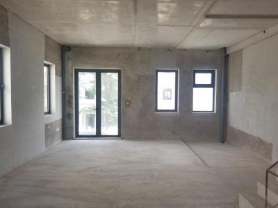 Bán nhà phố Lakeview City, 3 tầng, diện tích 345m2, ngang 5m, bàn giao thô, hướng Đông