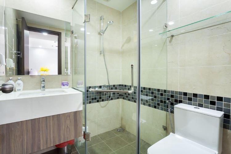 toilet căn hộ The Tresor Cho Thuê Căn hộ The Tresor, diện tích 65m2, bao gồm 2 phòng ngủ, đầy đủ nội thất
