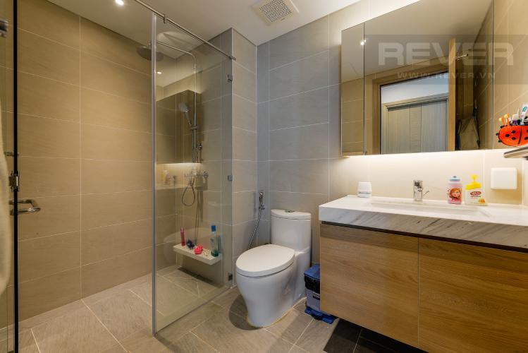 Phòng tắm 2 Căn hộ Sadora Sala Đại Quang Minh 2PN đầy đủ nội thất, view hồ bơi và công viên