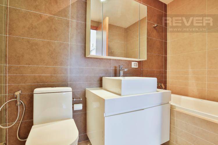 Toilet 2 Căn hộ Sunrise City 2 phòng ngủ tầng trung tháp W4 nội thất đầy đủ
