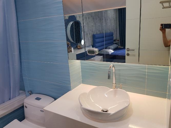 Phòng tắm căn hộ Green Valley, Quận 7 Căn ộ Green Valley view nội khu yên tĩnh, tầng cao đón gió thoáng mát.