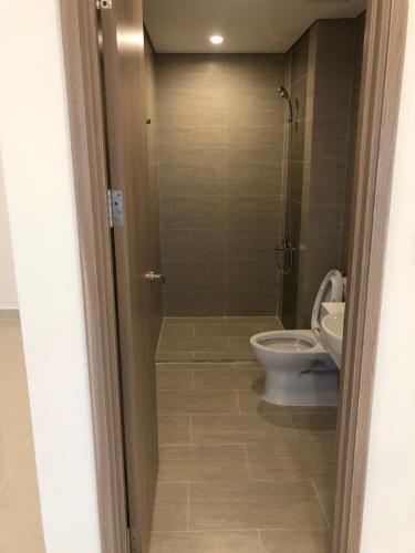 Toilet Vinhomes Grand Park Quận 9 Căn hộ Vinhomes Grand Park tầng thấp, view nội khu yên tĩnh.