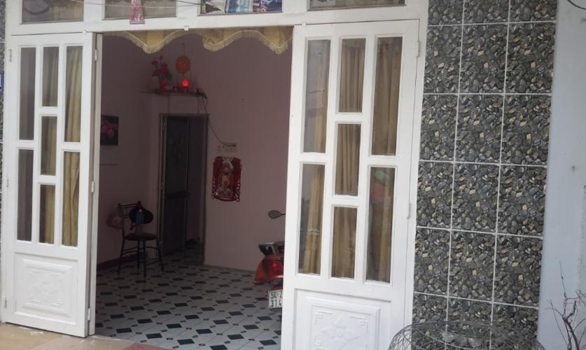 Nhà phố hướng Tây Nam, sổ hồng riêng bàn giao kèm nội thất cơ bản.