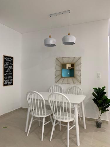 Phòng ăn căn hộ Thủ Thiêm Dragon Bán căn hộ tầng cao Thủ Thiêm Dragon nội thất cơ bản.