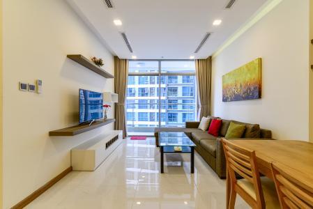 Cho thuê căn hộ Vinhomes Central Park tầng trung tháp Park 5, 2PN 2WC, đầy đủ nội thất