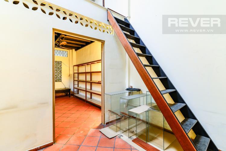 Thang Bộ Nhà phố 4 phòng ngủ hẻm đường Nguyễn Văn Đậu nội thất đầy đủ
