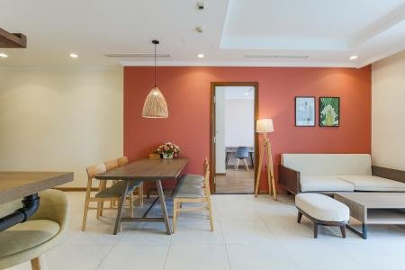 Cho thuê căn hộ Vinhomes Central Park 3 phòng ngủ, đầy đủ nội thất, view nội khu