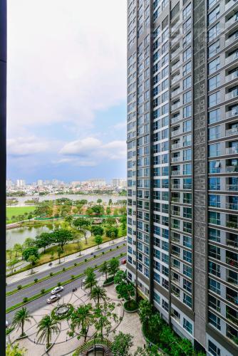 View Cho thuê căn hộ Vinhomes Central Park tầng trung tháp Park 5, 2PN 2WC, đầy đủ nội thất