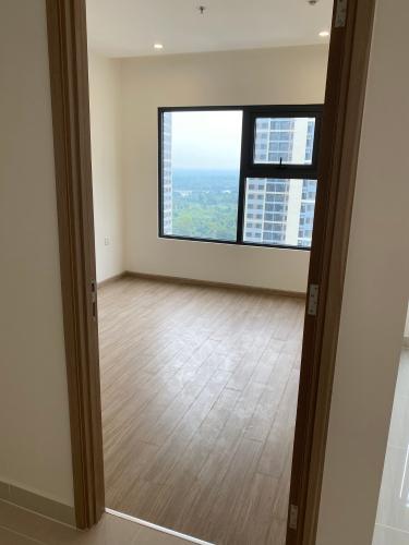Phòng ngủ căn hộ Vinhomes Grand Park Căn hộ tầng cao Vinhomes Central Park nội thất cơ bản, view nội khu.