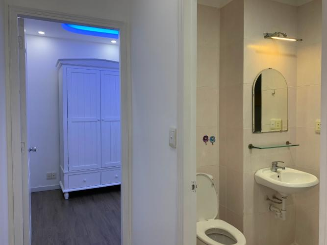 Phòng tắm Sky Garden, Quận 7 Căn hộ Sky Garden đầy đủ nội thất, view nhà phố thoáng mát.