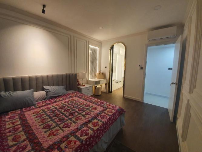 Căn hộ Saigon Royal 2 phòng ngủ nội thất đầy đủ, view nhìn ra Bitexco.