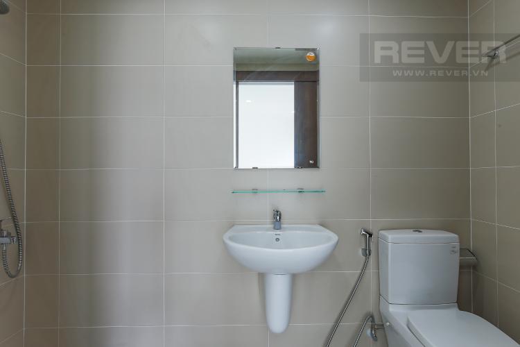Phòng Tắm 1 Căn hộ Tulip 2 phòng ngủ tầng cao view sông, nội thất cơ bản