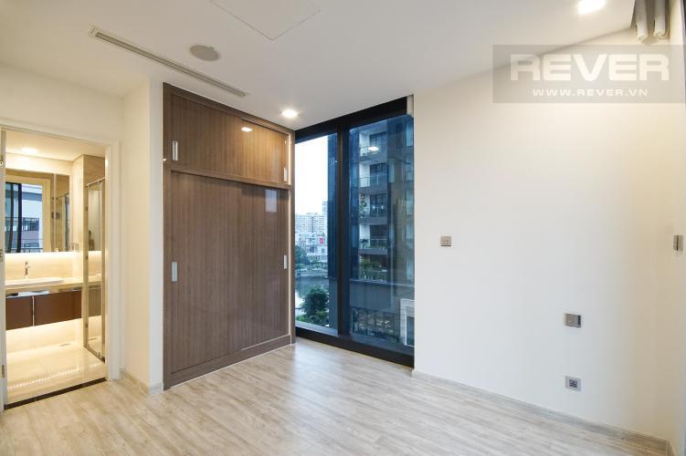 Phòng Ngủ 2 Bán hoặc cho thuê căn hộ Vinhomes Golden River 3PN, tầng thấp, tháp The Aqua 2, nội thất cơ bản