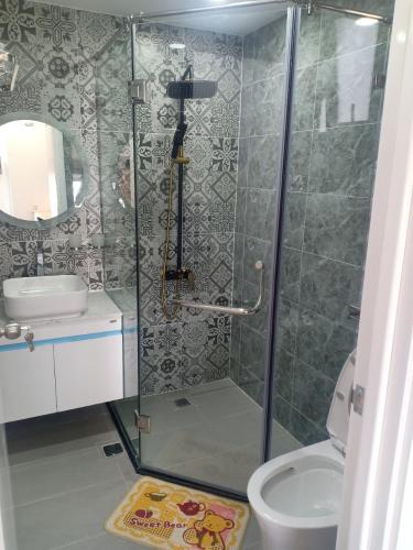 Nhà vệ sinh căn hộ Saigon South Residences Căn hộ Saigon South Residences tầng thấp, đầy đủ nội thất