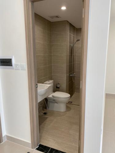 Toilet Vinhomes Grand Park Quận 9 Căn hộ Vinhomes Grand Park tầng 13 nội thất cơ bản.