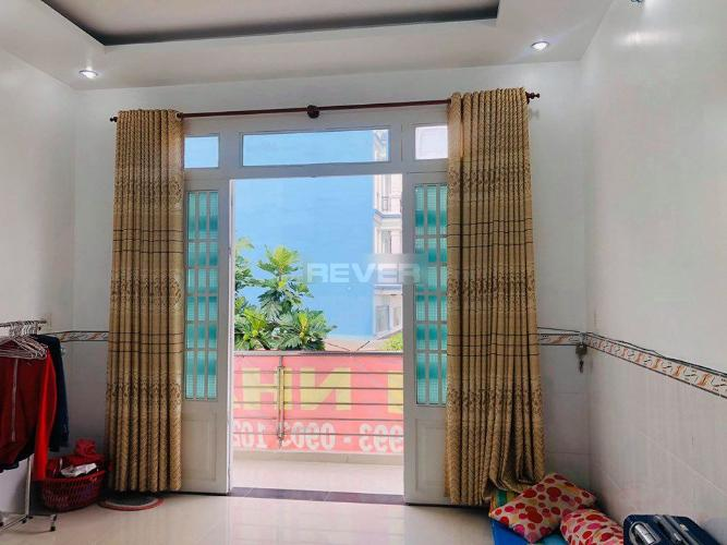 Phòng ngủ nhà phố Bình Tân Nhà phố Bình Tân diện tích đất 50m2, nằm trong hẻm xe hơi.