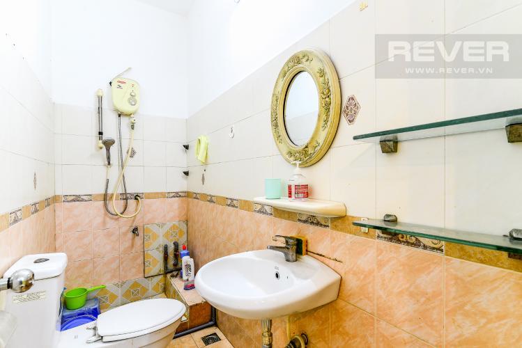 Phòng Tắm Tầng Trệt Nhà phố 6 phòng ngủ hẻm 12 đường Cù Lao Quận Phú Nhuận