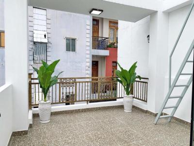 Bán hoặc cho thuê nhà mới hẻm 670 Đoàn Văn Bơ, Quận 4, nội thất cơ bản, sổ hồng riêng