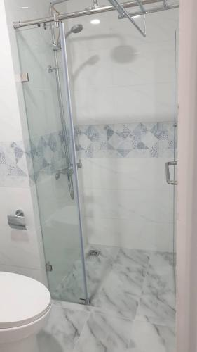 Phòng tắm căn hộ Conic Riverside, Quận 8 Căn hộ penthouse chung cư Conic Riverside view thành phố thoáng mát.