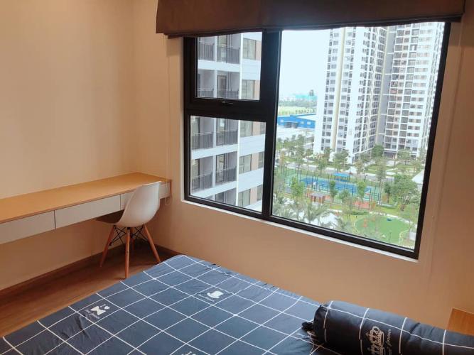 Phòng ngủ căn hộ Vinhomes Grand Park Căn hộ Vinhomes Grand Park view nội khu, tầng cao đón gió mát.
