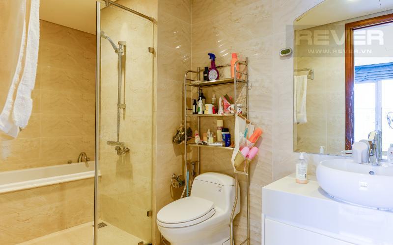 phòng tắm 1 Căn góc Vinhomes Central Park tầng cao C2 full nội thất, view sông