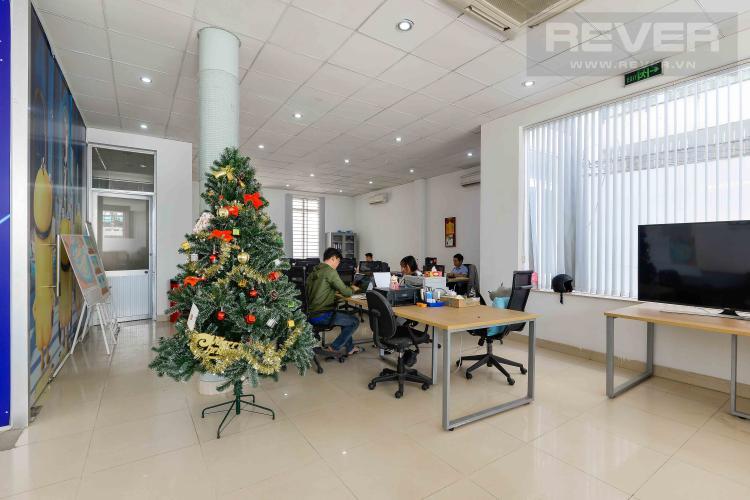 Tầng Trệt Tòa nhà văn phòng cho thuê 1 trệt 3 lầu mặt tiền đường Lương Định Của, Quận 2