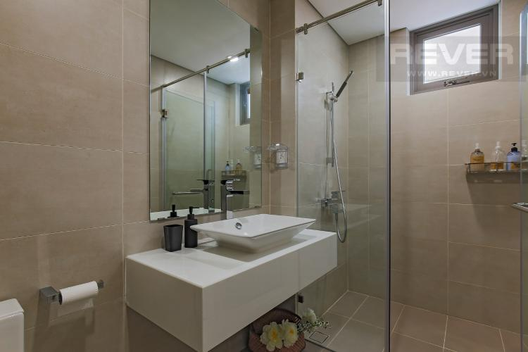 Phòng Tắm 1 Bán hoặc cho thuê căn hộ Masteri Millennium tầng cao, 3PN 2WC, đầy đủ nội thất, view sông và Bitexco