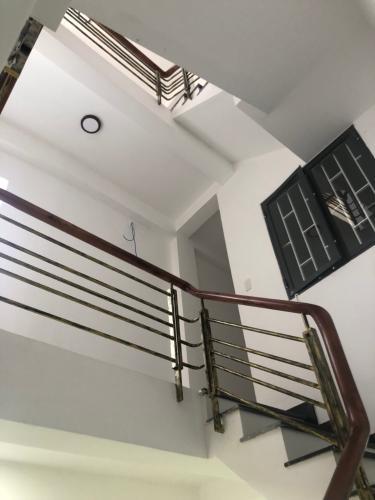 Bên trong nhà phố Hậu Giang, Quận 6 Nhà phố hướng Đông diện tích 105.8m2, hẻm xe hơi rộng rãi.