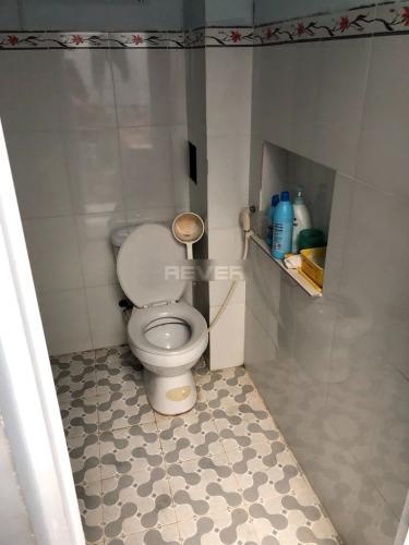 Phòng tắm nhà phố quận 9 Nhà phố quận 9 hướng Đông Nam, diện tích 4x16.25m, sổ hồng chính chủ.