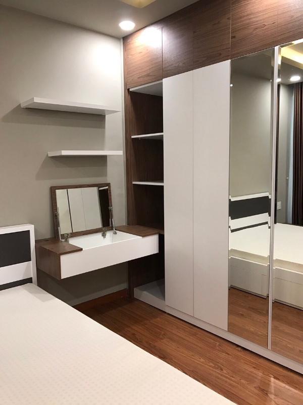 11 Bán căn hộ The Gold View 2PN, tầng trung, đầy đủ nội thất, hướng cửa Tây Nam