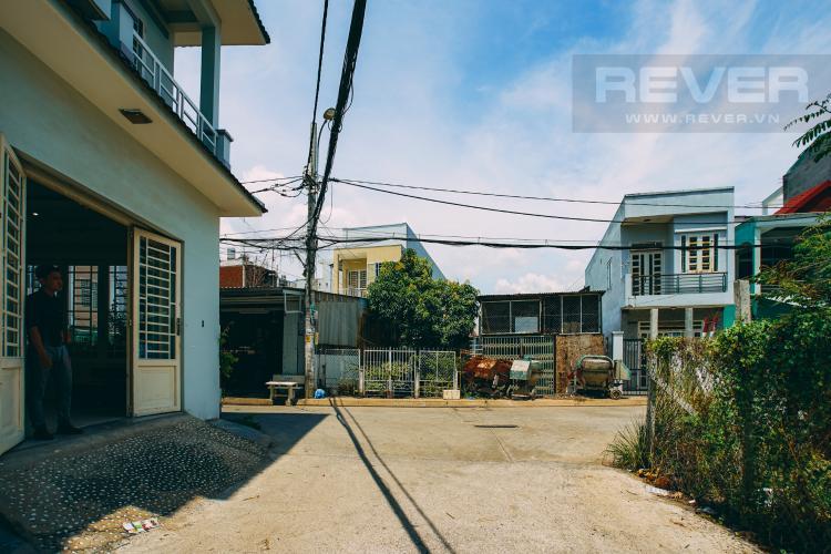 Lối Đi 2 Bán nhà phố tại Nhà Bè, 2 tầng, 4PN, 4WC, sổ hồng chính chủ
