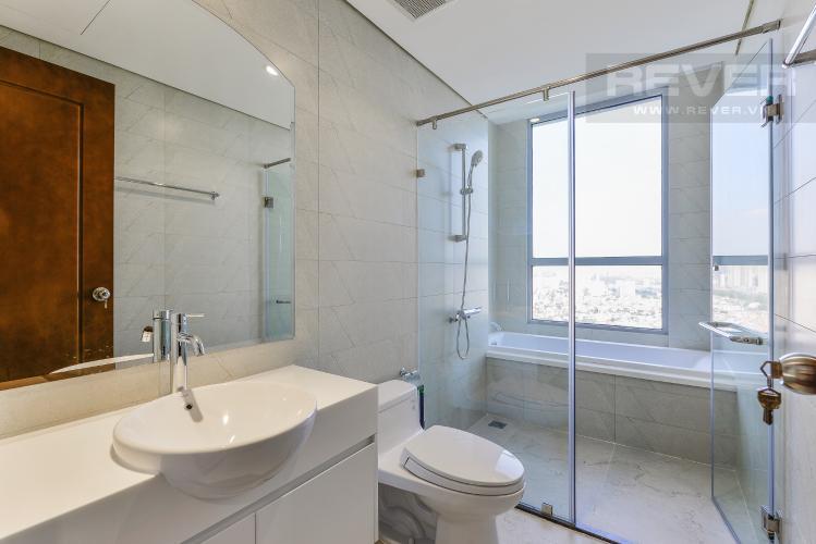 Phòng tắm 2 Căn góc Vinhomes Central Park 4 phòng ngủ tầng cao L1 view sông