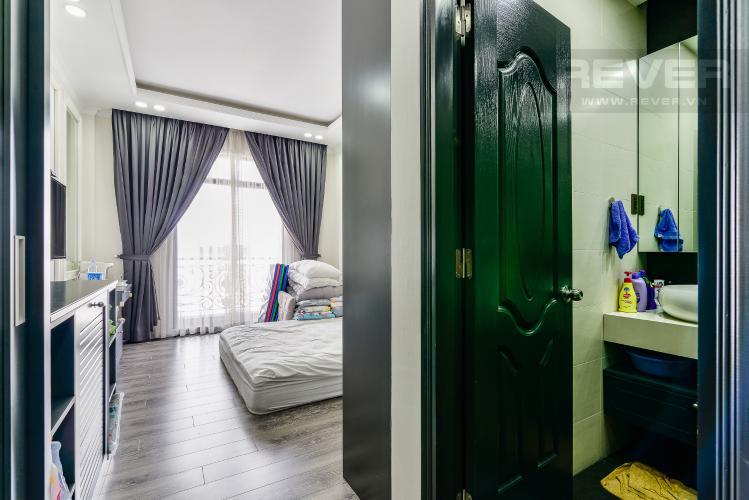 Phòng Ngủ Tầng 2 Nhà phố 3 phòng ngủ đường Võ Văn Kiệt, phường 6, Quận 5