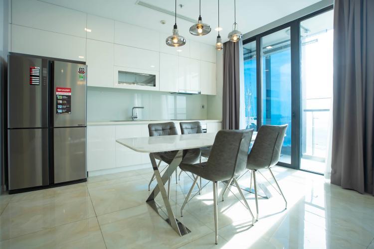 Phòng bếp Vinhomes Golden River, Quận 1 Căn hộ tầng cao Vinhomes Golden River đầy đủ nội thất.