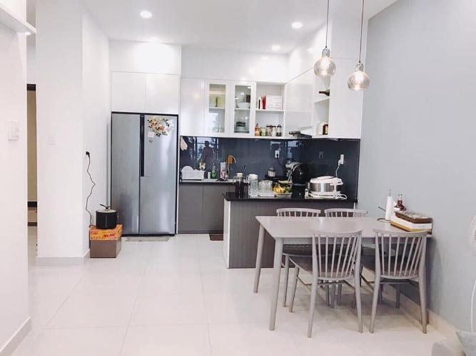 Phòng bếp Kingston Residence, Phú Nhuận Căn hộ tầng trung Kingston Residence ban công hướng Đông Nam.