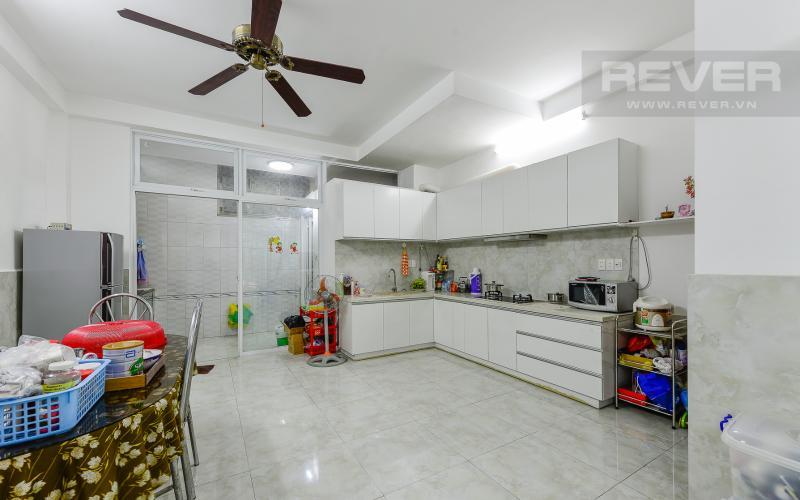 Không gian bếp Nhà phố hẻm xe hơi ngay ĐH Hutech Ung Văn Khiêm