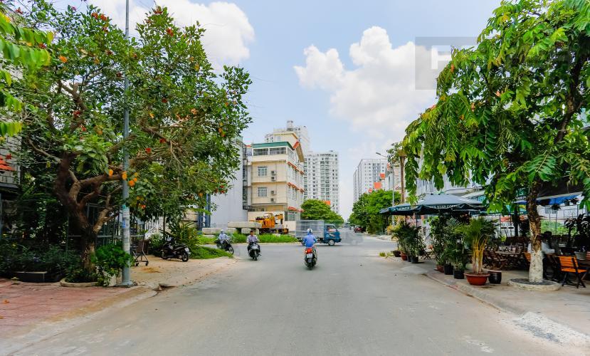 Lối Đi 1 Nhà phố 8 phòng ngủ đường số 3A Tân Hưng Quận 7