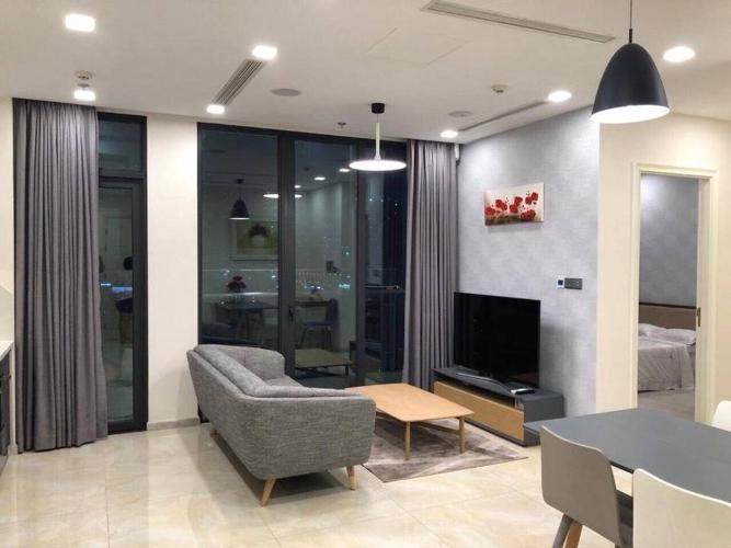 Cho thuê căn hộ Vinhomes Golden River tầng 34, đầy đủ nội thất, view thành phố và Landmark 81
