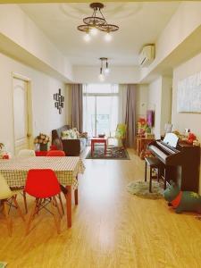 Bán căn hộ đầy đủ nội thất The Parcspring, ban công Đông Nam