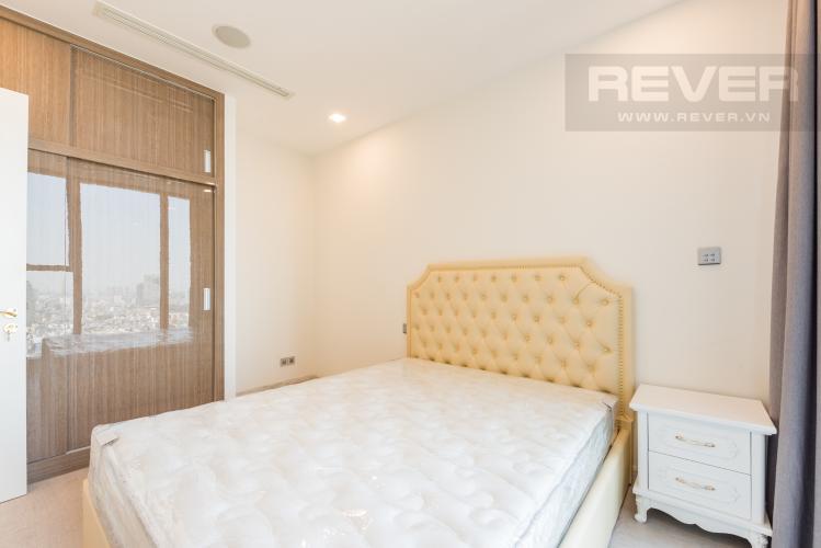 Phòng ngủ Căn officetel Vinhomes Golden River tầng cao, view đẹp, nội thất đầy đủ