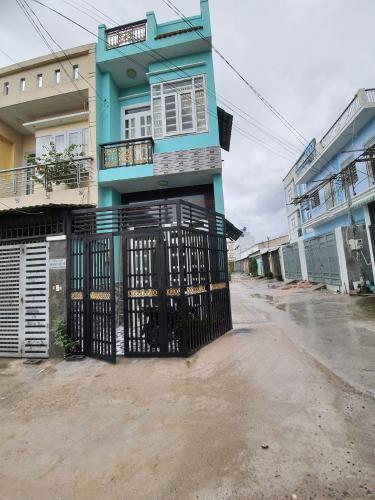Mặt tiền nhà phố Thạnh Xuân, Quận 12 Nhà phố căn góc hẻm 4.5m xe hơi ra vào, gần chợ Minh Phát.