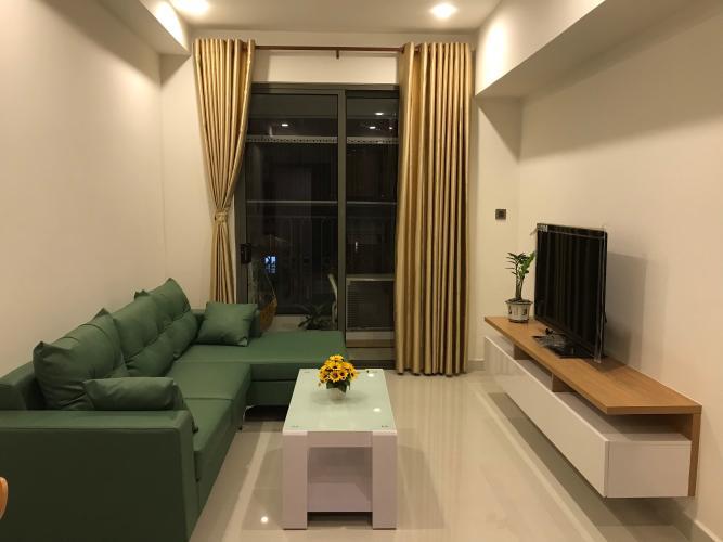 Phòng khách căn hộ Saigon Royal, Quận 4 Căn hộ Saigon Royal tầng cao hướng Tây Bắc, nội thất đầy đủ.