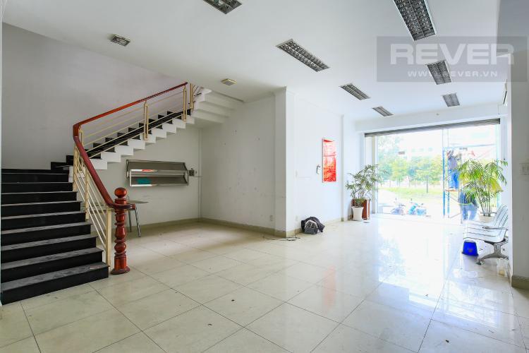 Tầng 1 Nhà phố 5 phòng ngủ mặt tiền đường Song Hành, An Phú, Quận 2