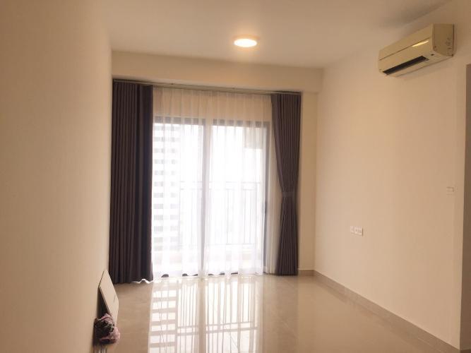 Phòng khách căn hộ The Sun Avenue Căn hộ The Sun Avenue tầng cao, đón view thành phố.