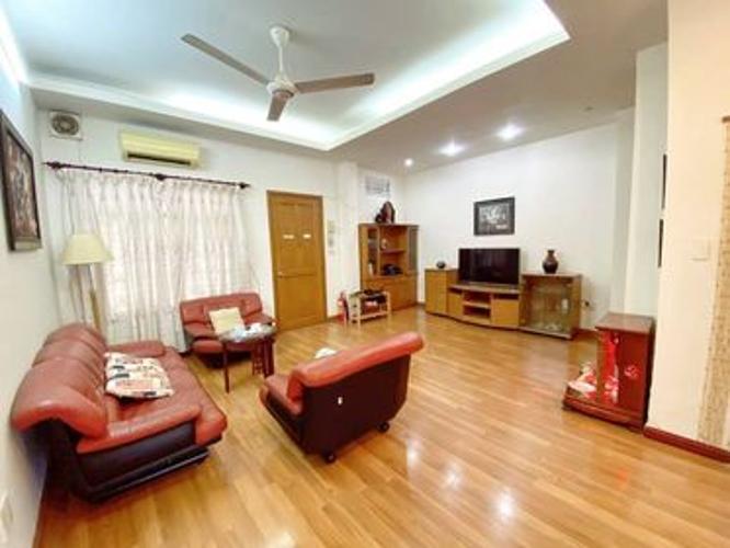 Bán căn hộ chung cư Vĩnh Hội tầng 2, phường Vĩnh hội quận 4, diện tích 80m2, đầy đủ nội thất.