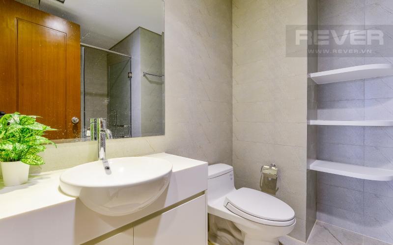 phòng tắm 1 Căn hộ Vinhomes Central Park tầng cao Landmark 3 thiết kế đẹp, view sông
