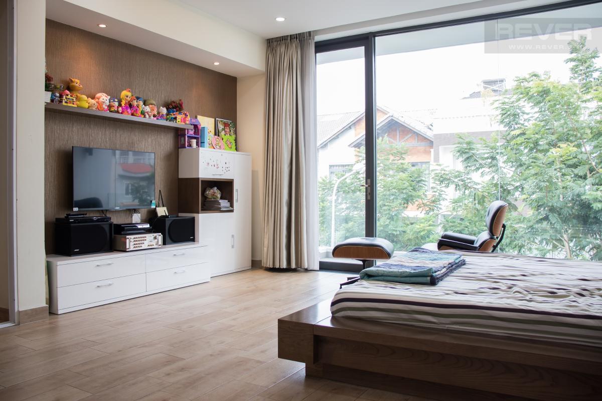 IMG_9956 min Bán nhà phố 4 tầng tại KDC Nam Long Quận 7, diện tích 200m2, đầy đủ nội thất, sổ hồng chính chủ
