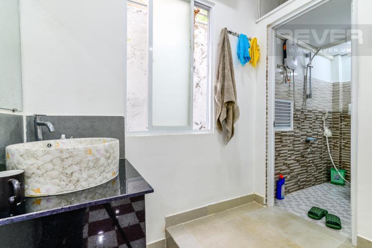 Phòng Tắm Bán nhà phố Nguyễn Duy sổ đỏ chính chủ, nội thất đầy đủ