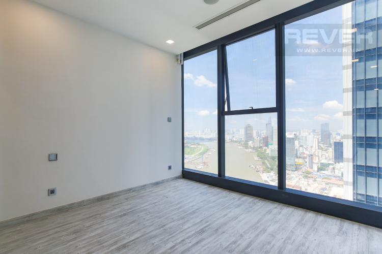 Phòng Ngủ 1 Bán hoặc cho thuê căn hộ Vinhomes Golden River 2PN, tầng cao, tháp The Aqua 1, view sông Sài Gòn